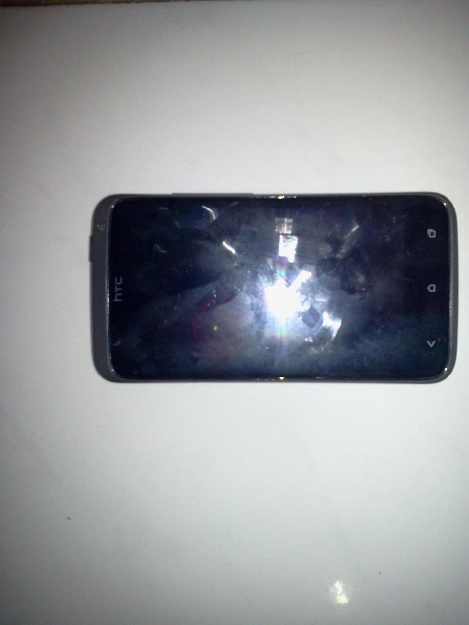 HTC X-One n BB Bold Dakota