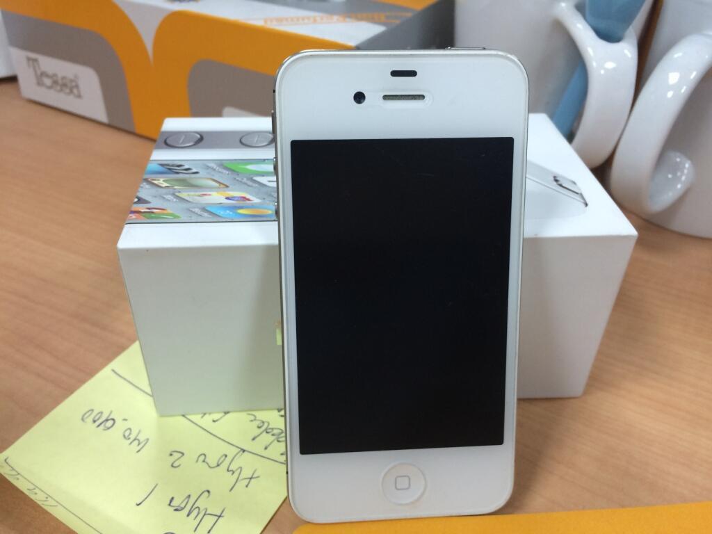 [WTS] Iphone 4S 16 Gb Putih Mulus