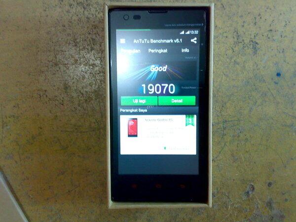 Xiaomi Redmi 1S QuadCore 1,6GHz Cam depan 1,6MP