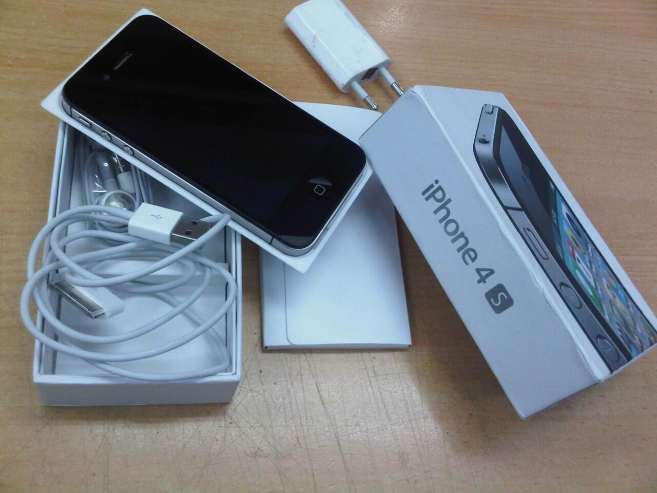 IPHONE 4S 16GB fullset lampu layar mati bekas terjatuh (