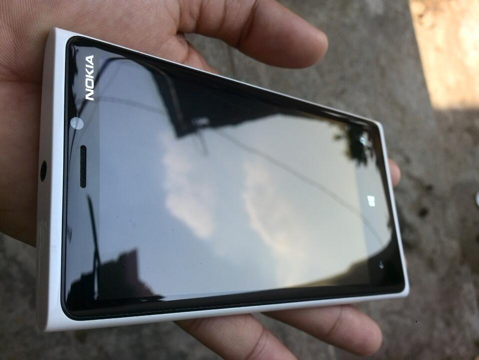 [HiZOOM] LUMIA 920 Lte (windowsphone 8.1 BBM ready, Carl Zeis Camera, 32gb) MURAH