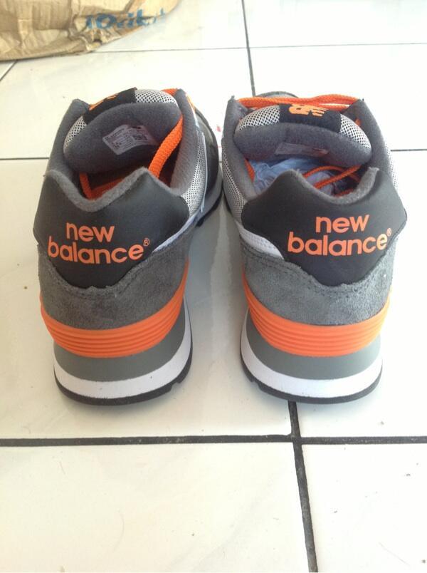 Terjual WTS sepatu sneakers New Balance ML574CGO size 42 bb0283c280