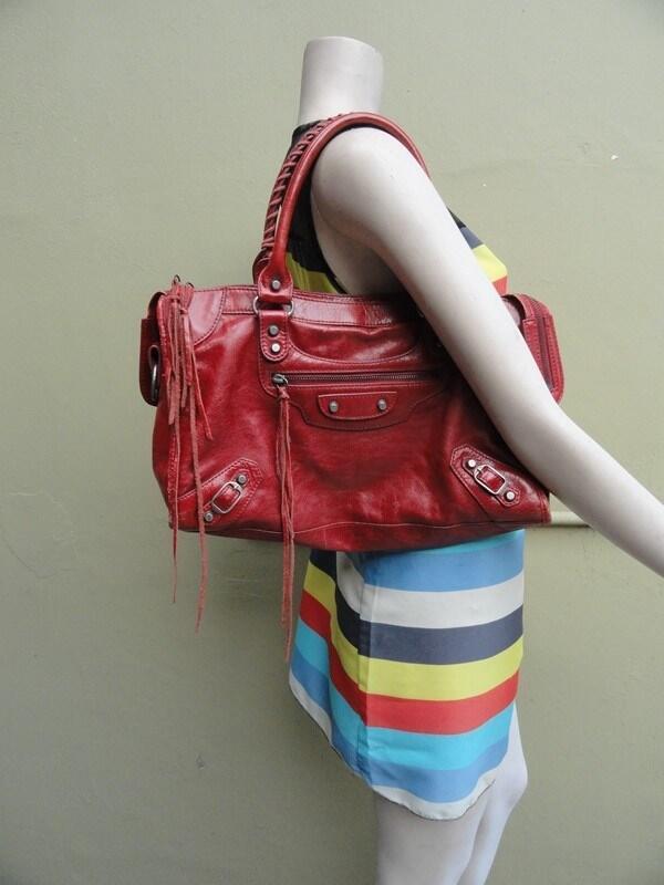 Terjual TAS SEKEN BRANDED BALENCIAGA CITY RED AUTHENTIC ORIGINAL ... a916e7f021
