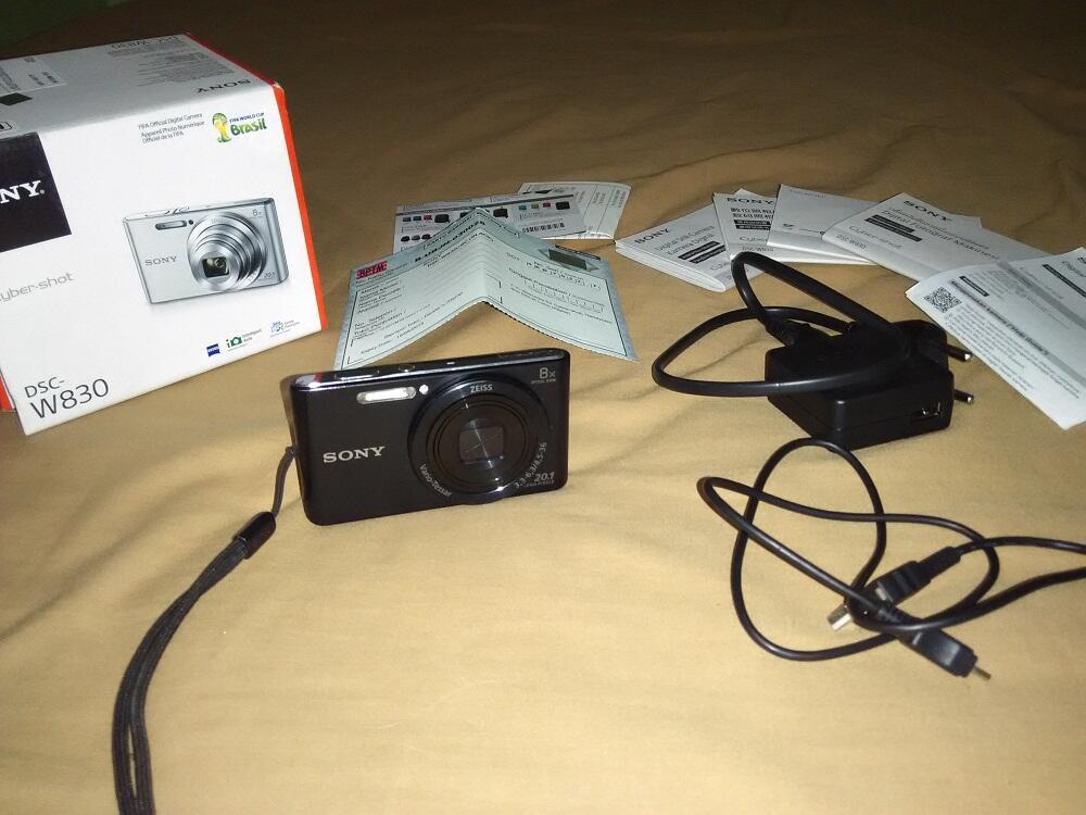 Sony Cybershot DSC-W830 + Bonus!