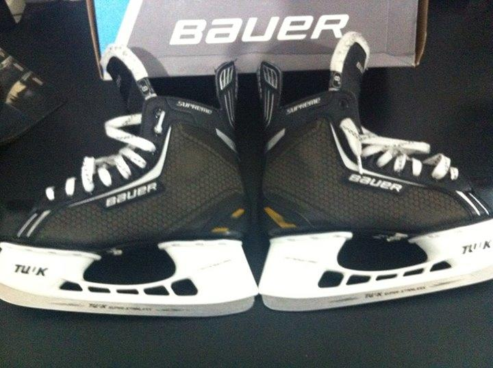 Sepatu Hockey Bauer 1.4