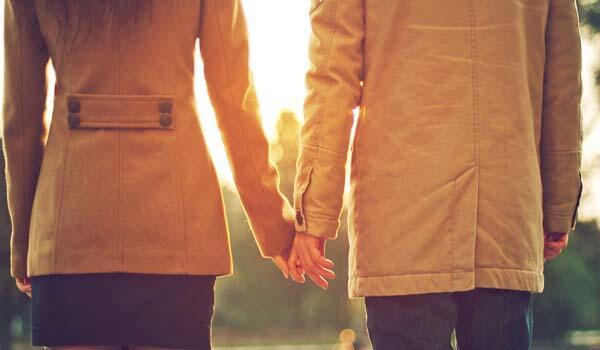 Jatuh Cinta Dengan Sahabat? Ini Soundtrack Yang Pas Buat Kamu