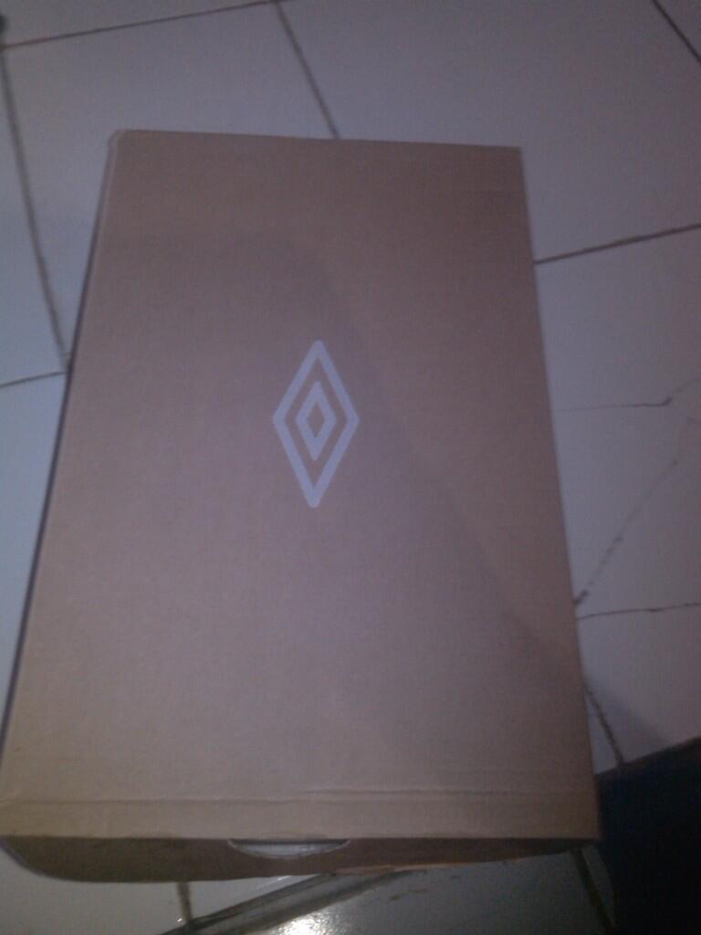 Sepatu futsal umbro special size 42