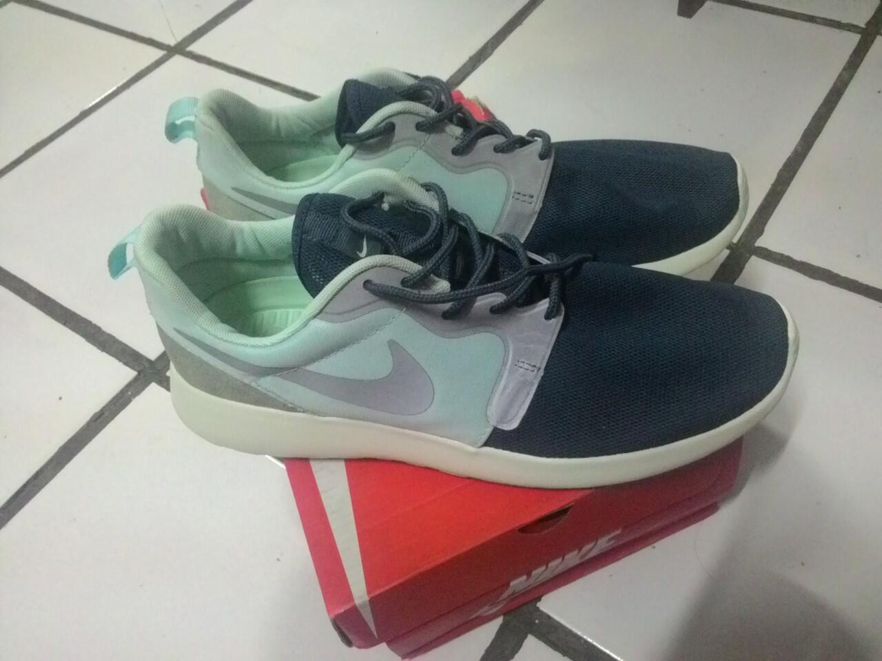 Nike Roshe Run size 43 - Bogor