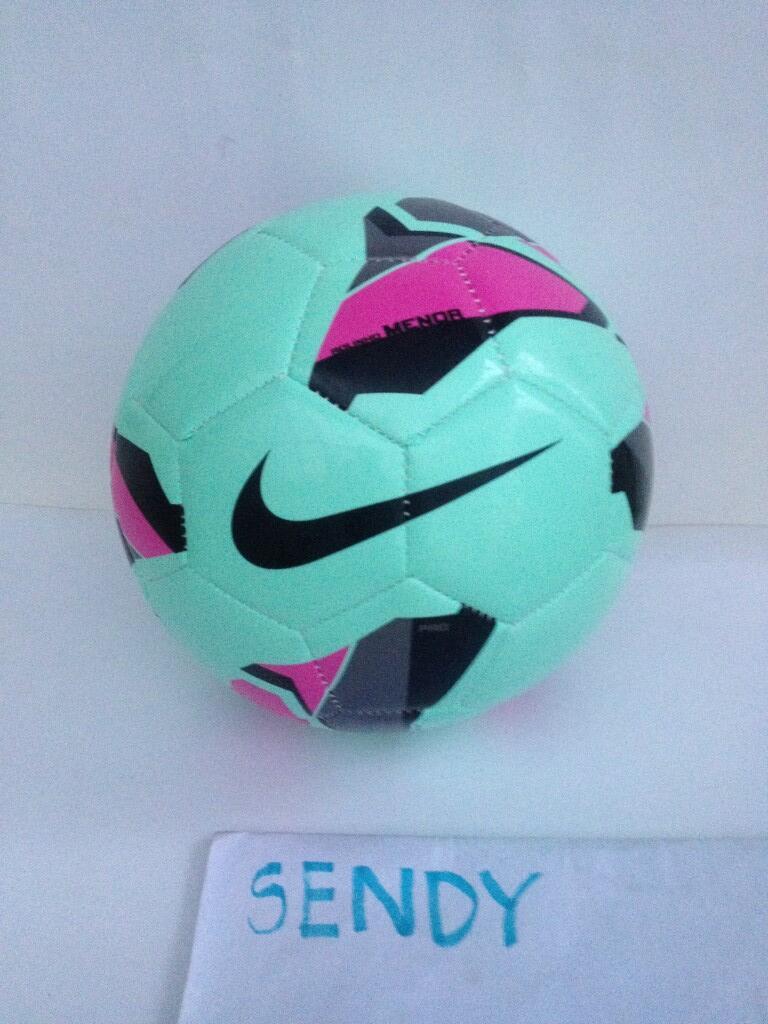 Terjual Bola Futsal Nike Rolinho Clube Premier Pro e42864d6db03c