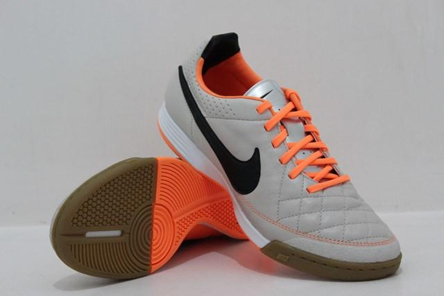 [original] NIKE TIEMPO Legacy IC 631522-008 (Desert Storm/Atomic Orange/Black)