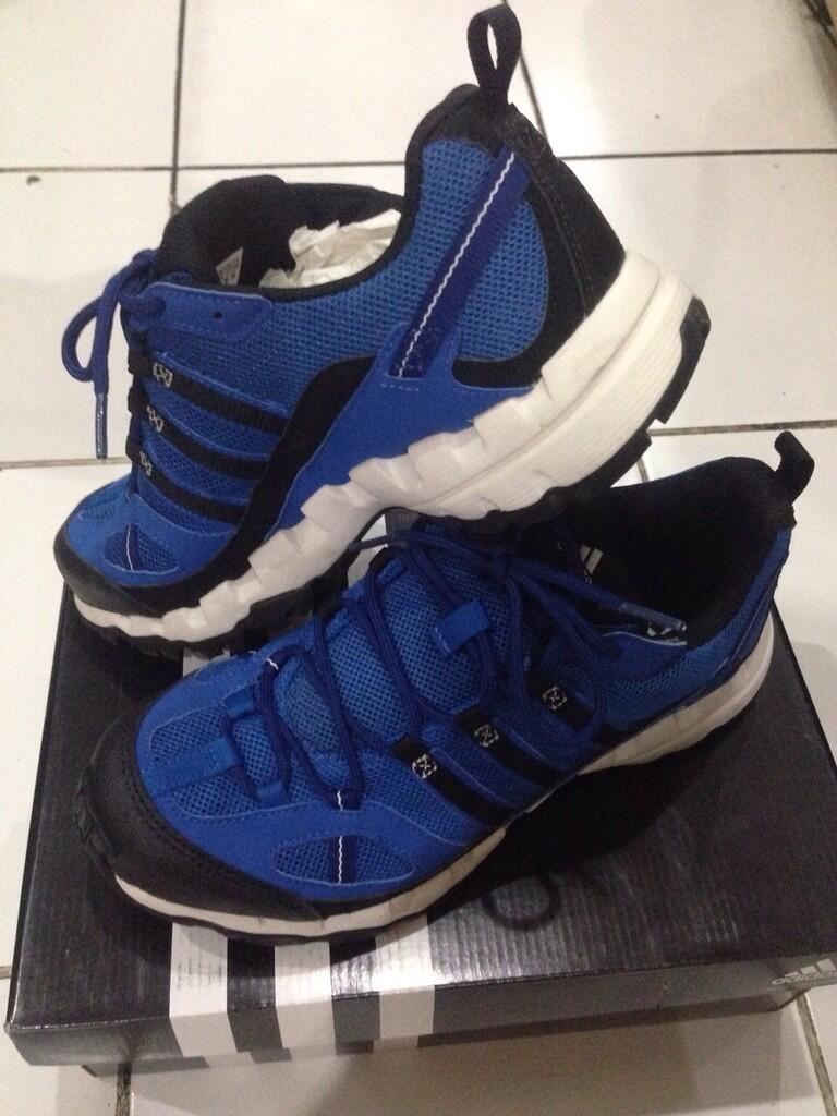 WTS Sepatu ADIDAS AX 1 Size 6.5 / 39.5 100% ORI & NEW