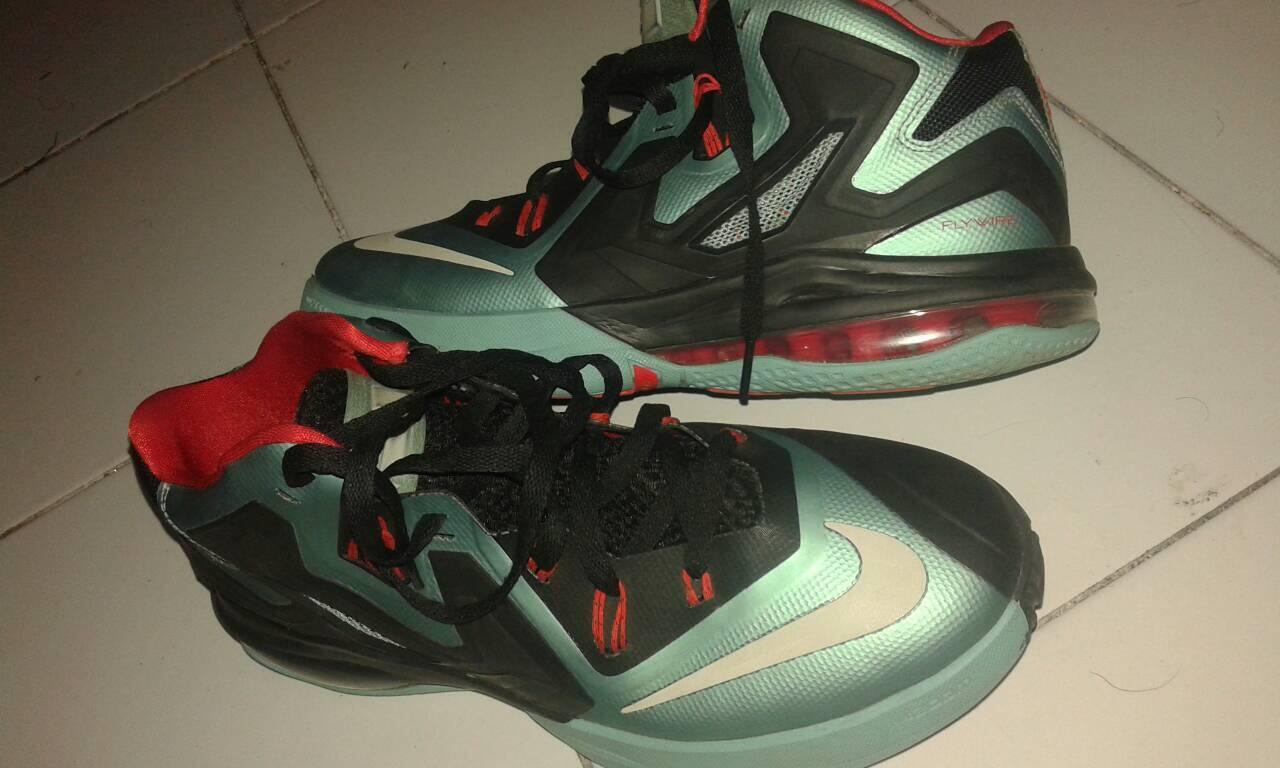 Sepatu Basket Nike Ambassador
