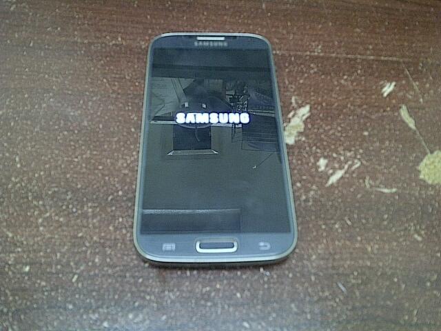 samsung galaxy S4 GT I9506 versi 4G LTE mulus murah aja gan