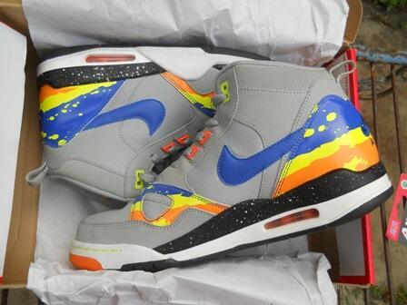 For Sale : Sepatu Basket Air Jordan 2012 E & Nike Flight 13 MID