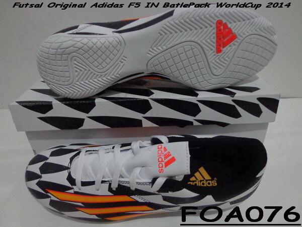 214797d6fe7 ... Sale CUCI GUDANG Sepatu Futsal ADIDAS - NIKE - SPECS Original Mumer  (Surabaya)