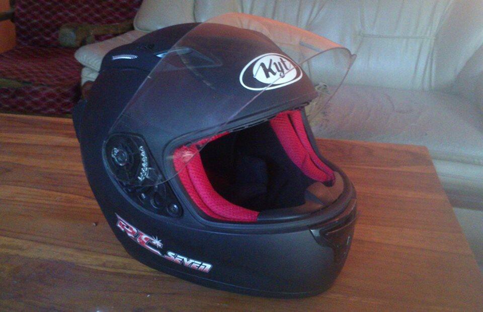 Helm Fullface KYT RCseven Hitam Doff Baru sekali pakai mulusss
