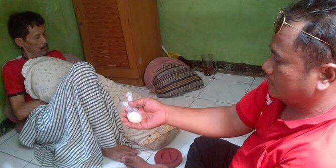 Warga di Jakarta Utara Dihebohkan Kabar Kakek Sinin Bisa Bertelur