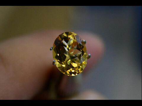 Lelang Batu Permata Tersedia 69 Item High quality Tutup 9-11-2014 jam 22:05