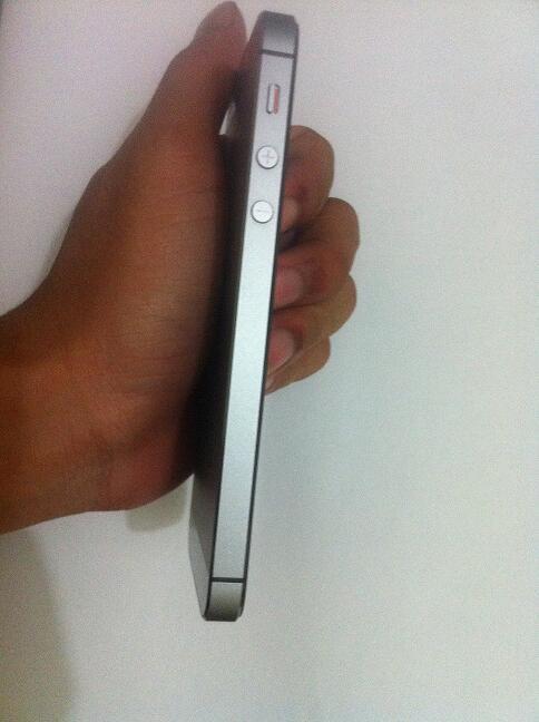 iPhone 5s 16 GB Space Grey (iCloud Lock - Lost) Bandung