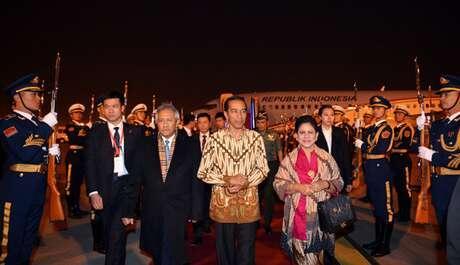 [Gak bangga dengan Bahasa Indonesia(?)] Pidato Resmi, Jokowi pakai bahasa Inggris?