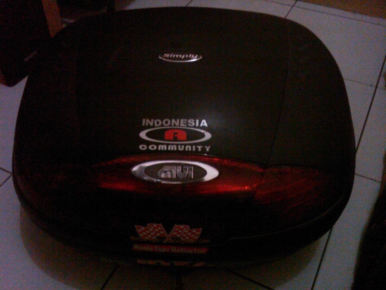 Box GIVI E45 lengkap dan mulus 90%