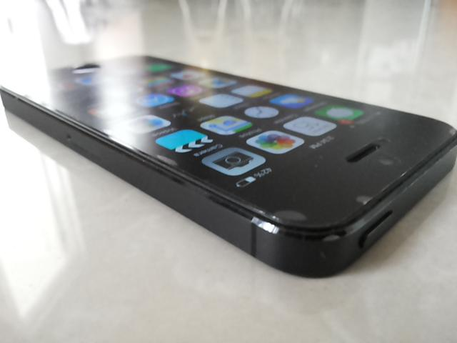 JUAL IPhone 5 32 GB Black Second