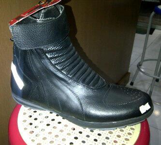 Sepatu Touring 7 Gear Raptor