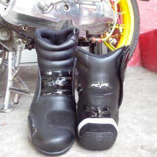 Sepatu Touring Rvr Rescape