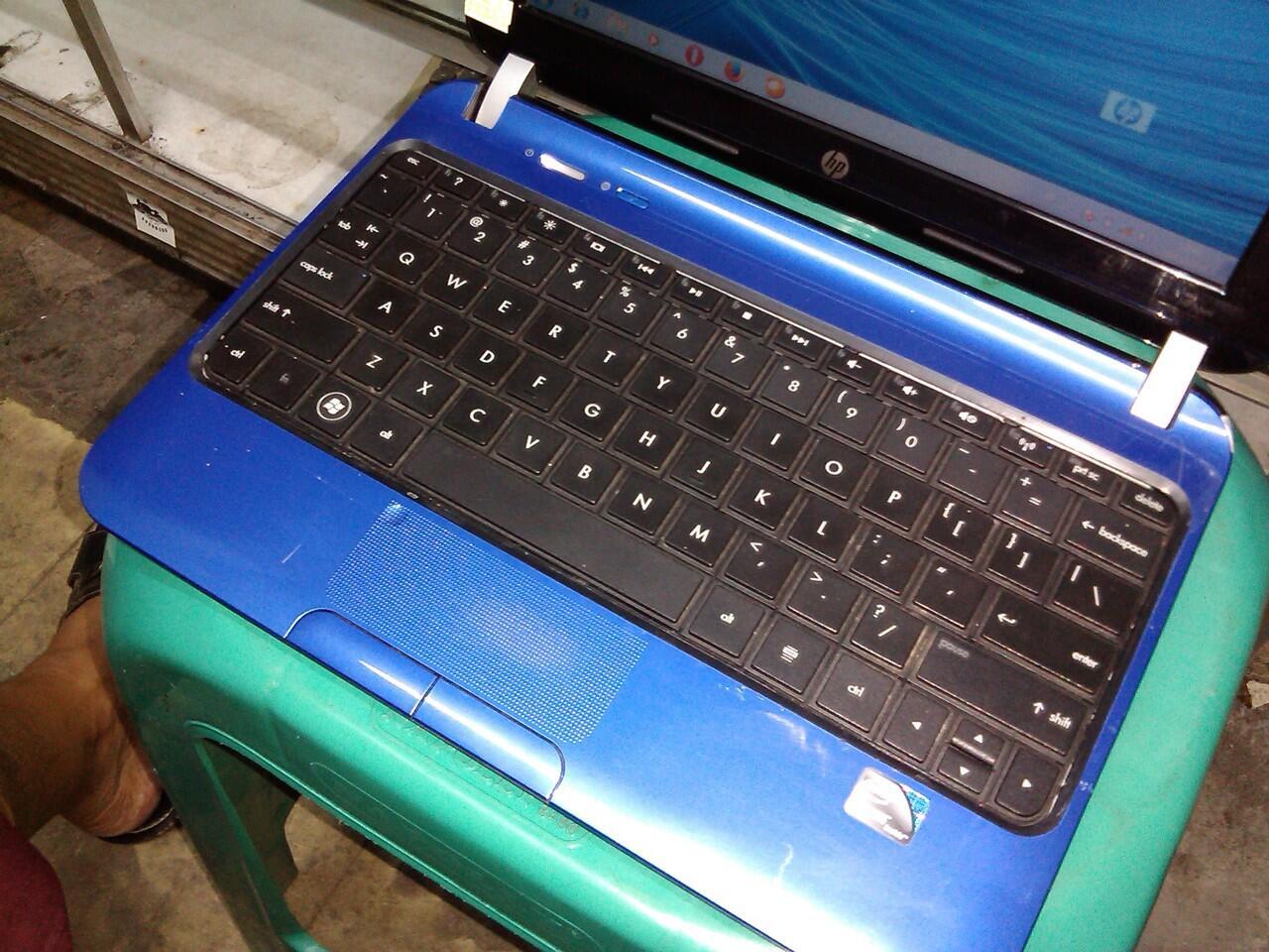 Netbook gaming hpmini n2600 ram 2 hdd 320 biru bandung