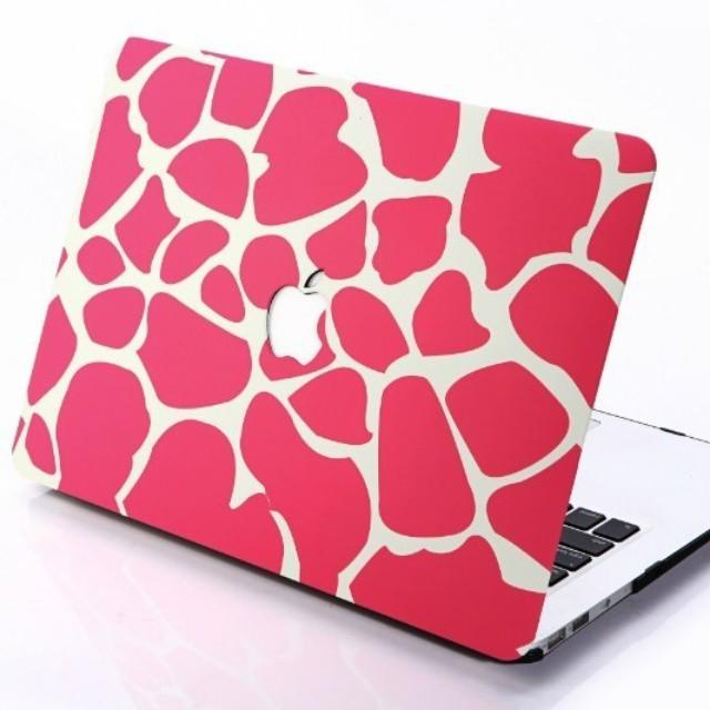CASE, PALM GUARD, SCREEN PROTECTOR, KEYBOARD PROTECTOR, DUST PLUG MACBOOK