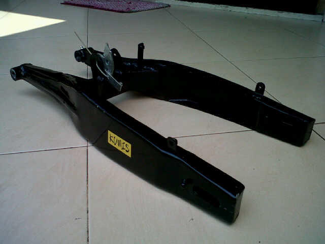Swing Arm Kumis For Yamaha Vixion