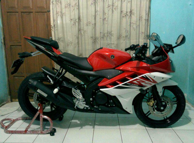 Dijual Yamaha R15 baru 2 bulan mukus 99% butuh uang