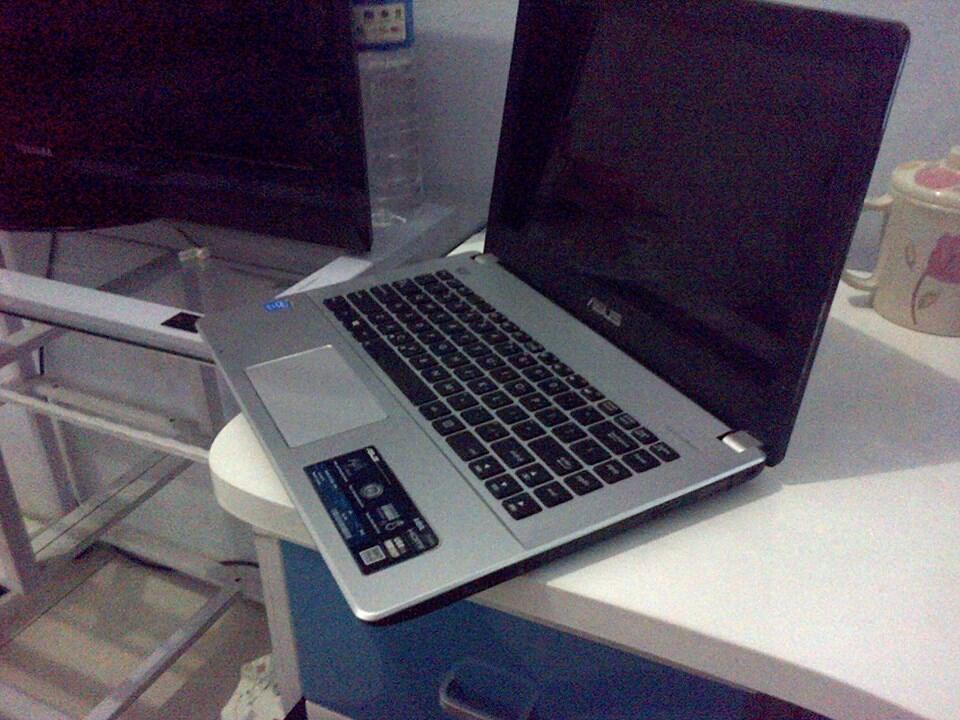 Jual Laptop second Asus a450L Gaming type, bisa Nego
