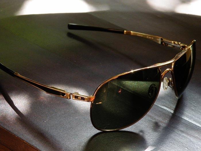 2nd - Like New - SunGlass Original OAKLEY Plaintiff Polished Gold