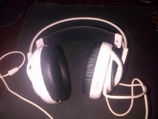 headset steelseries siberia v2 warna putih