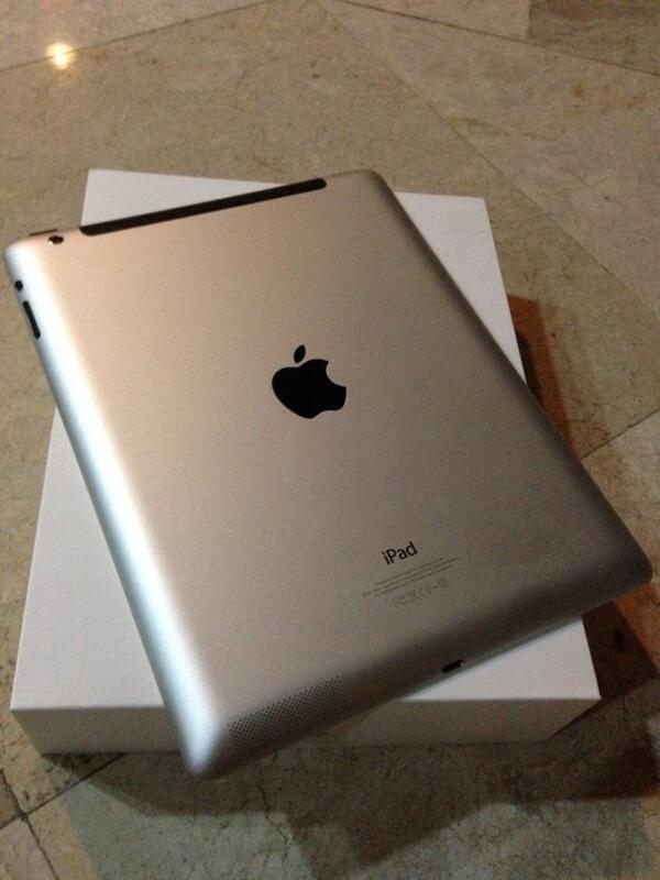WTS iPad 4 32GB WIFI + Cellular [ White ]