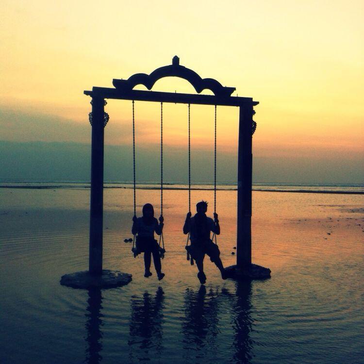 8 Tempat Wisata Lokal Nan Romantis yang Layak Kamu Kunjungi Bareng Pacar