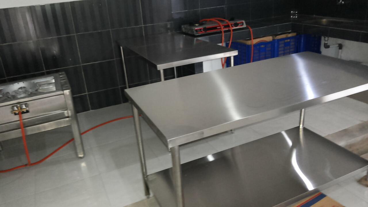 Dijual Kwali range, meja stainless (Bekasi, Cikarang)