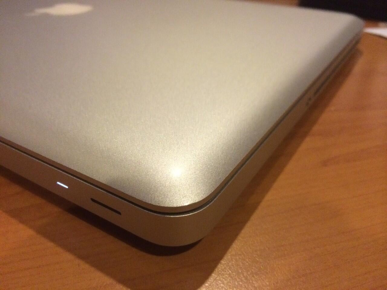 "Late 2011 MacBook Pro 15"" QuadCore i7 2.2GHz & 2.4GHz"