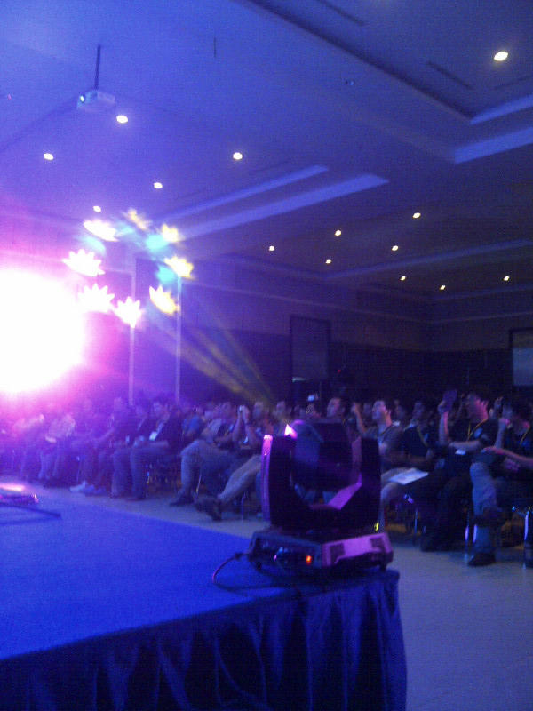 Sewa Rental LIGHTING LAMPU PANGGUNG RIGING SMOKE MACHINE PAR LED MOVING HEAD