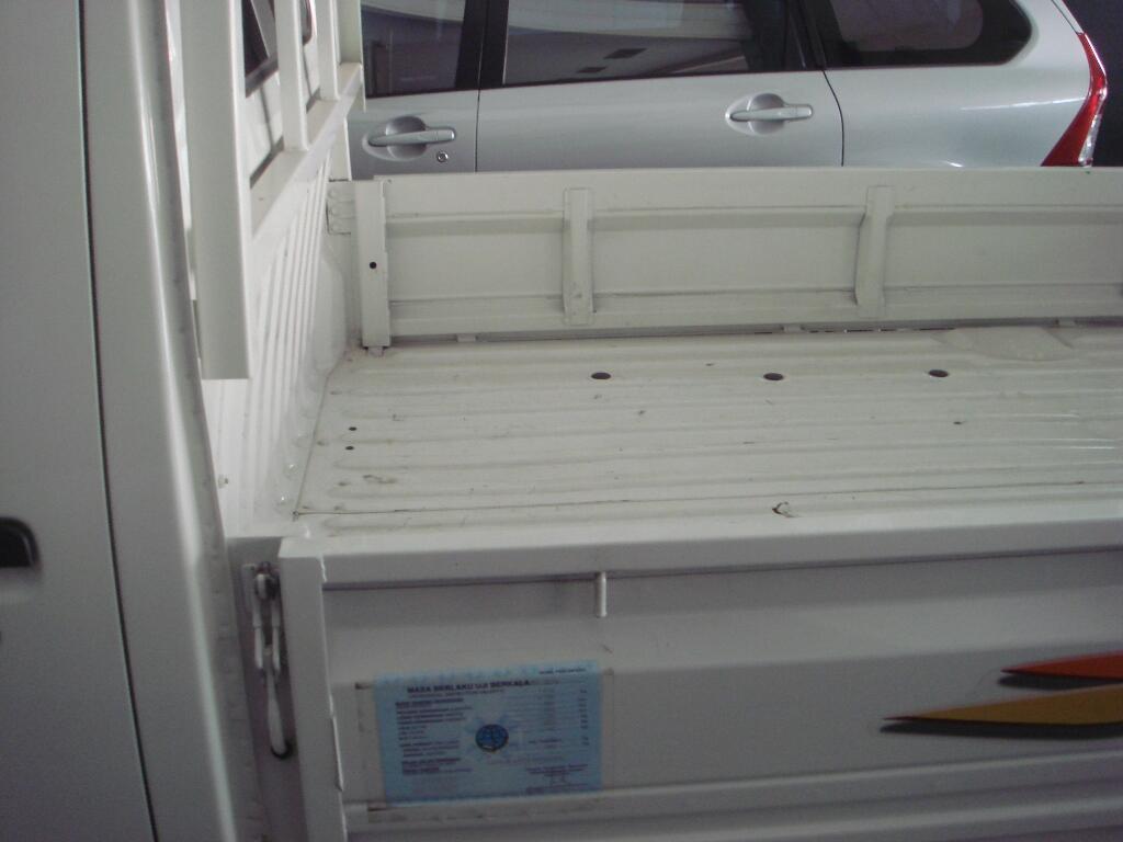 daihatsu grandmax pu 1.5 m/t putih 2014
