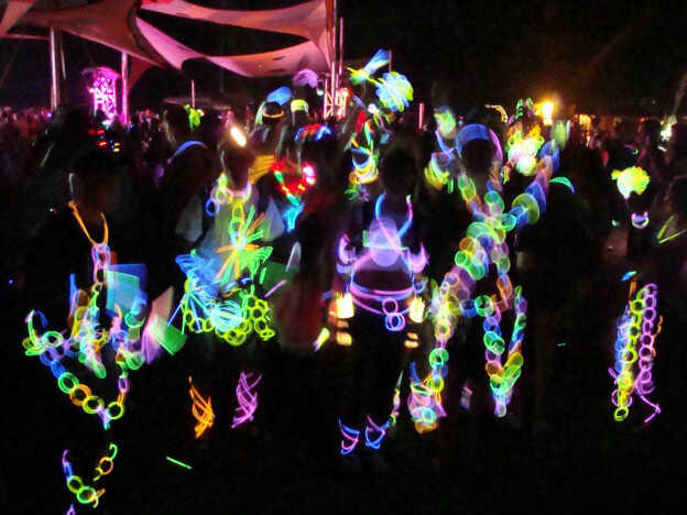 Glow Stick Party , stick fosfor, murah meriah, event, new year, christmass