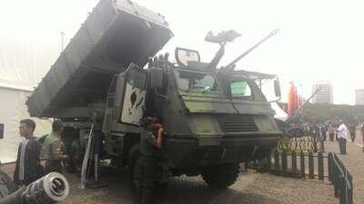 Peluncur Roket Canggih Milik TNI AD ini Bisa Hancurkan Area Seluas 2 Hektar