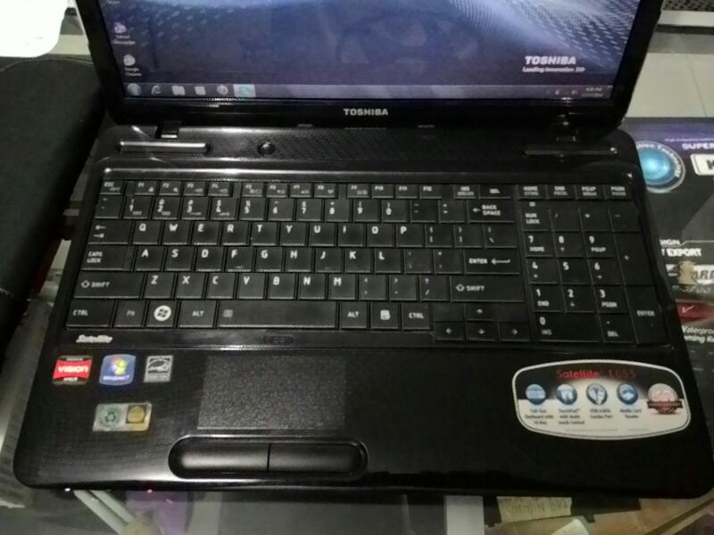 "(Gamer) Toshiba L655D Amd Athlon II P540 2gb 320gb 15.6"" solo"