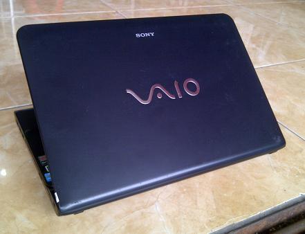 Jual Laptop Bekas SONY VAIO SVE14132CVB Core i3 Ivy Bridge Malang