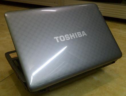 Jual Laptop Bekas TOSHIBA Satellite L645 Core i3 Gaming & Design Malang