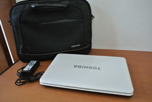 Toshiba L745 Core i5 2450 White || Surabaya Masuk.,!!