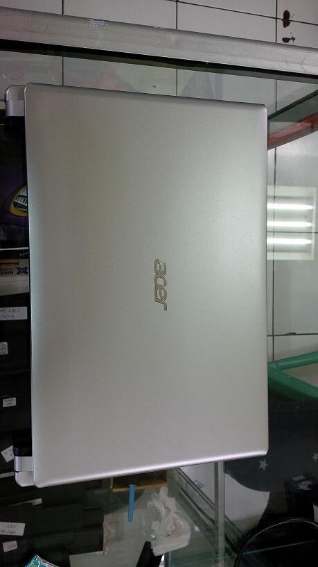"Acer V5 Slim Gaming Core i3 2367M 4GB 500GB 14""VGA Nvidia GT620M 1GB Mulusss"