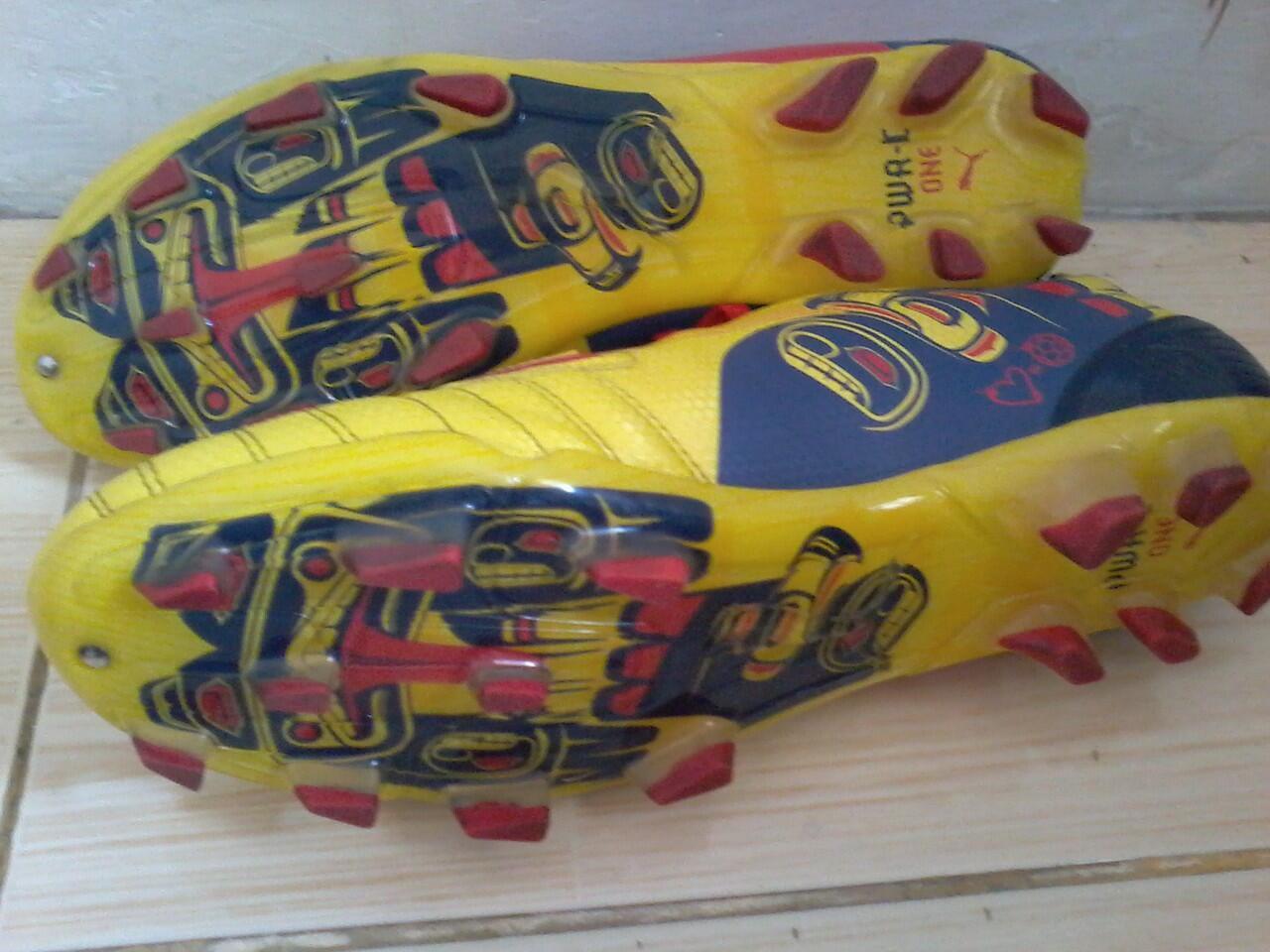 Jual sepatu bola second original puma powercat C-1