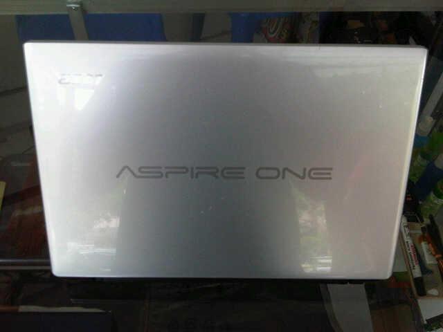 Netbook Acer Aspire One 756 Celeron Tipis Mulus Segel Lancar Jaya